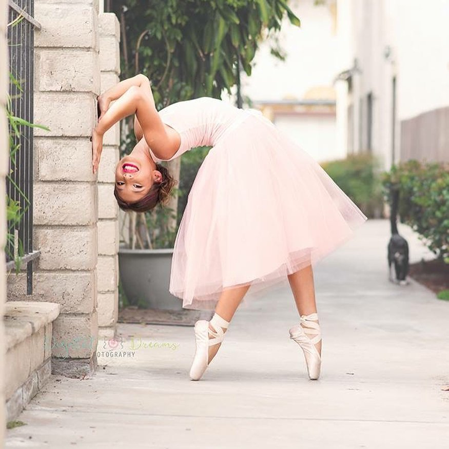 Our featured dancer of the week is the equally gorgeous and talented @ttdancin! 
