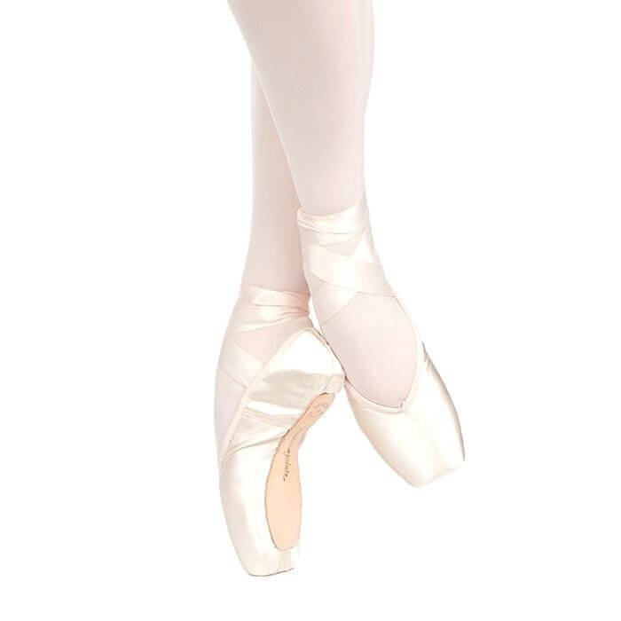 Russian Pointe Brava U-Cut Drawstring Shank Flexible Medium Pointe Shoe