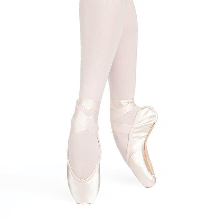 Russian Pointe Entrada Pro U-Cut Drawstring Shank Flexible Medium Pointe Shoe